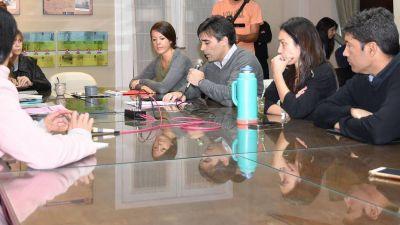López une a todo el Concejo y solicitan audiencia a la Gobernadora para evitar el cierre del Casino
