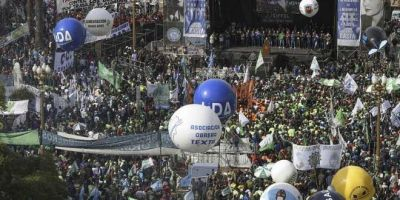 """Rechazo de los gremios a la posible convocatoria al diálogo de Macri: """"Es poco seria"""""""