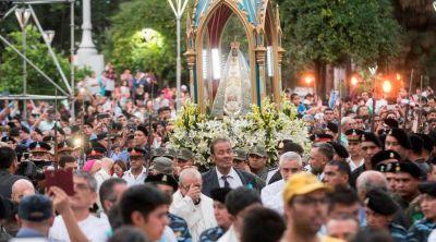 """Festejan 128 años de coronación de la querida """"Morenita del Valle"""" en Argentina"""