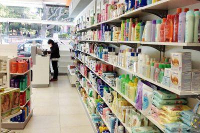 Cadena de farmacias anuncia que mantendrá 200 precios sin cambios hasta fines de julio