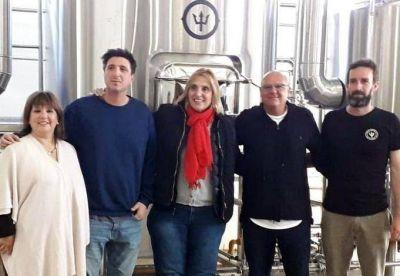 Vilma visitó fábrica de cerveza artesanal y rescató la generación de otra fuente laboral