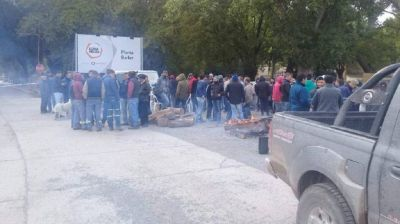 La caída de la construcción y el freno de la obra pública derivó en 200 despidos en Loma Negra