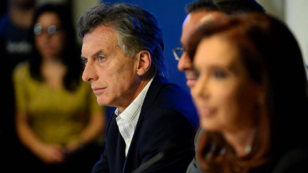 Los comandos de campaña de Macri y Cristina ya trabajan estrategias para el debate presidencial