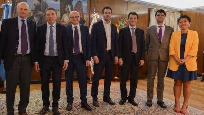 Misión del FMI: no habrá reuniones con la oposición y ya se habla de refinanciar los vencimientos