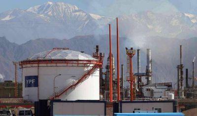 Millonaria inversión de YPF para adaptar sus combustibles a nuevas normas ambientales