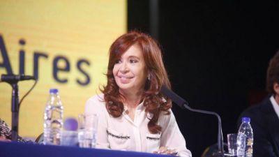 Cristina elogió la política económica de Trump y acusó a Macri de duplicar los planes sociales