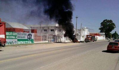 Crisis en Coca Cola: ahora no paga salarios en Bahía Blanca