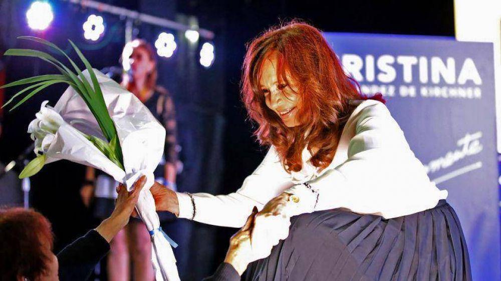 Cristina apuesta a clausurar la tercera vía y juntar votos moderados