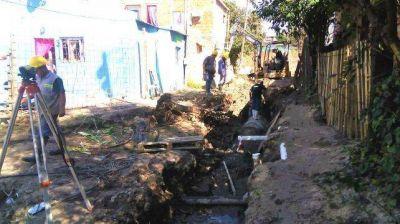 Ejecutan obras viales, pluviales y de cloacas en los barrios Humito y Las Flores de Paraná