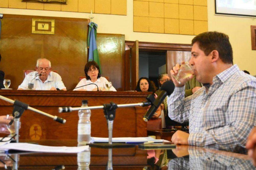 Mourelle no cede y presiona al Concejo por el presupuesto