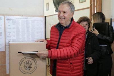 Schiaretti votó y advirtió: