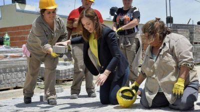 Vidal asfaltará 22 cuadras por día en la Provincia hasta las elecciones de octubre
