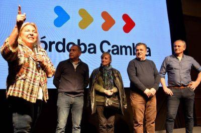 Junto a Negri, Carrió pidió perdón a los cordobeses por las