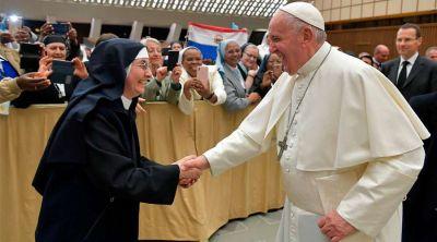 El Papa defiende que las religiosas son servidoras, no sirvientas