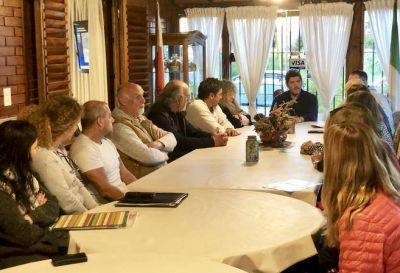 Vecinos del Bosque Peralta Ramos le plantearon a Castello problemas del sector