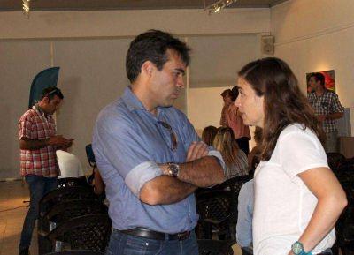 Jimena López quedó peinada y maquillada tras la frustrada participación en C5N