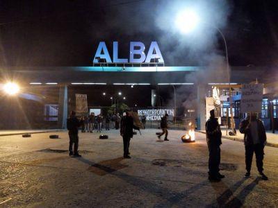 Denuncian despidos masivos en una fábrica de pinturas ALBA