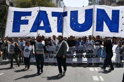 Los no docentes de universidades marchan contra el ajuste de Macri en el sector