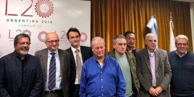 En reunión con el FMI, la CGT adelantó que rechazará la reforma laboral y hoy definirá si va a paro