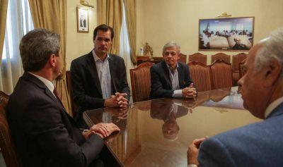 Uñac recibió al CEO de Raízen Argentina por la nueva estación Shell