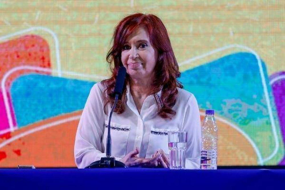 Cristina Kirchner apuesta al desgaste electoral de Mauricio Macri