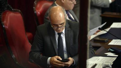 Salvador le exige al senador de La Cámpora denunciado por abuso que justifique sus faltas al Senado