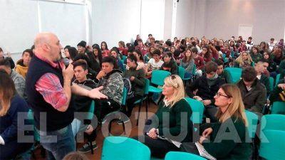Especialistas del OPDS dictaron una charla sobre Energías Alternativas
