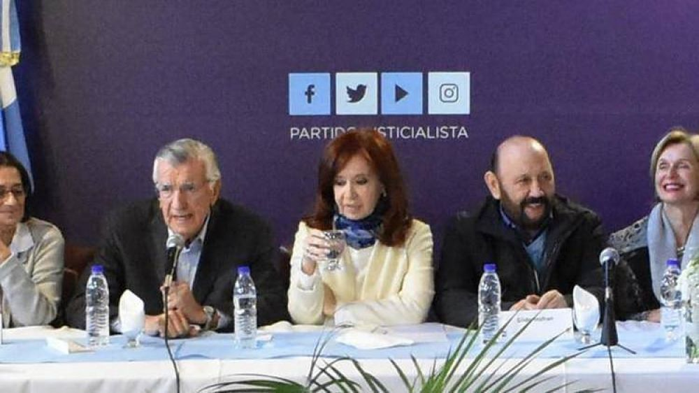 Cristina Kirchner busca seducir a Donald Trump y al establishment americano antes de lanzar su campaña presidencial