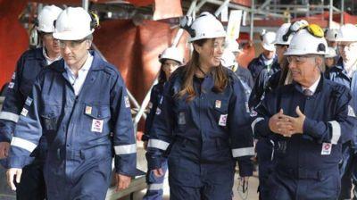 María Eugenia Vidal visitó la refinería de Axion en Campana