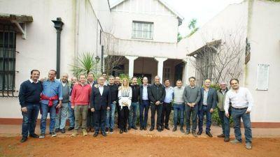 Los intendentes bonaerenses del PJ dan por segura la candidatura de Cristina Kirchner y buscan apurar la definición en la Provincia