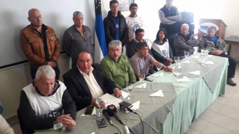 """La CGT analiza tomar medidas de fuerzaLos gremios continuarán en """"estado de alerta y movilización"""""""