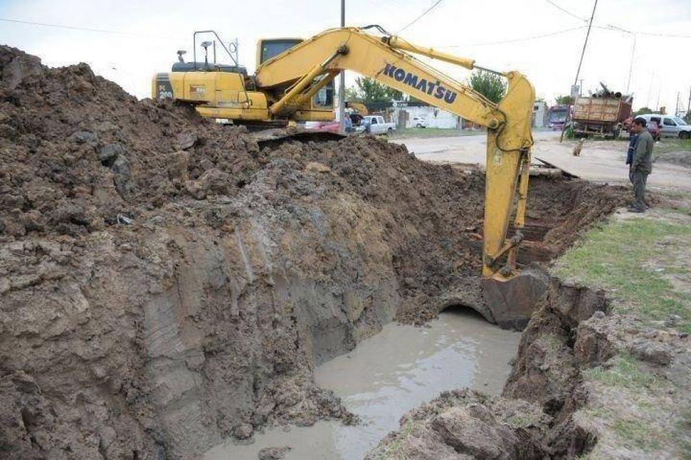 Cruces entre funcionarios y vecinos por obras de desagües