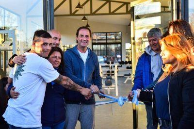 Sujarchuk inauguró el primer gimnasio municipal de musculación de Escobar
