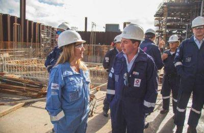 """Para Amaya, la inversión de Axion es """"clave para la generación de empleo"""""""