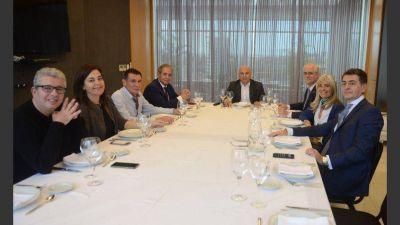 Almuerzos en Crónica: dirigentes políticos y sindicales reclaman un