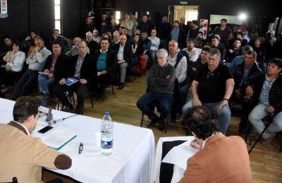 Audiencia pública por parques eólicos: fuerte reclamo de Madryn, Luz y Fuerza y un funcionario de Santa Cruz