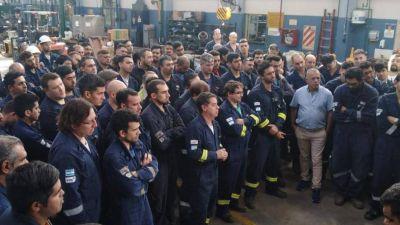 Los petroleros anunciaron un paro en todas las refinerías