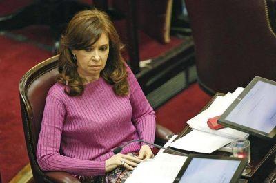 Sobreprecios millonarios y obras inconclusas: Cristina, ante su primer juicio oral