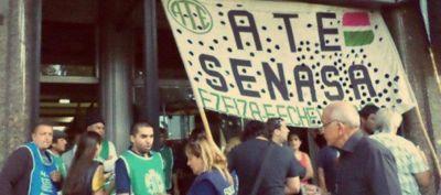 Contra el recorte salarial, paran los trabajadores del Senasa en el aeropuerto de Ezeiza