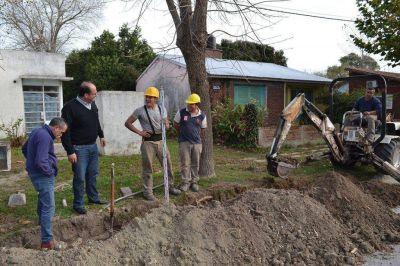 El intendente Héctor Olivera se mostró satisfecho con el avance de las obras de la red cloacal