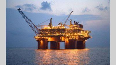 Adjudican 13 permisos a petroleras para explorar en el mar argentino