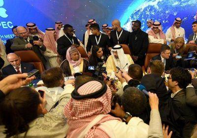 Arabia Saudita y Emiratos rechazan aumentar la producción de petróleo como reclama Trump
