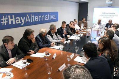 Acuña le pide a Massa que vaya a una interna con Alberto Fernández