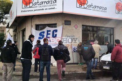 Movilización del Sindicato de Empleados de Comercio por despido de trabajadora