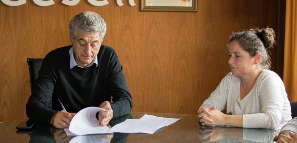 La comuna firmó acuerdo con YPF Gas y la empresa también ofrecerá garrafas a precio reducido