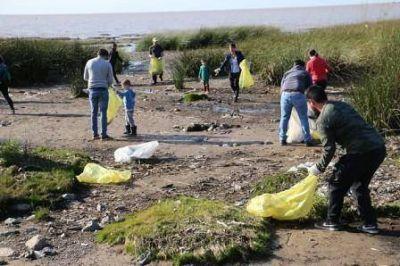 Se realizó una nueva jornada de limpieza del río en San Isidro