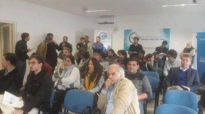 Tras una tensa audiencia pública, buscan avanzar con el basural en Irízar