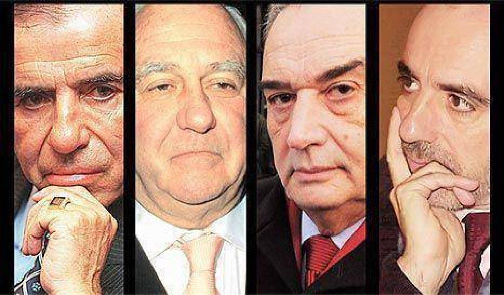"""AMIA: procesaron al """"Fino"""" Palacios, Carlos Menem, Galeano y Anzorreguy"""