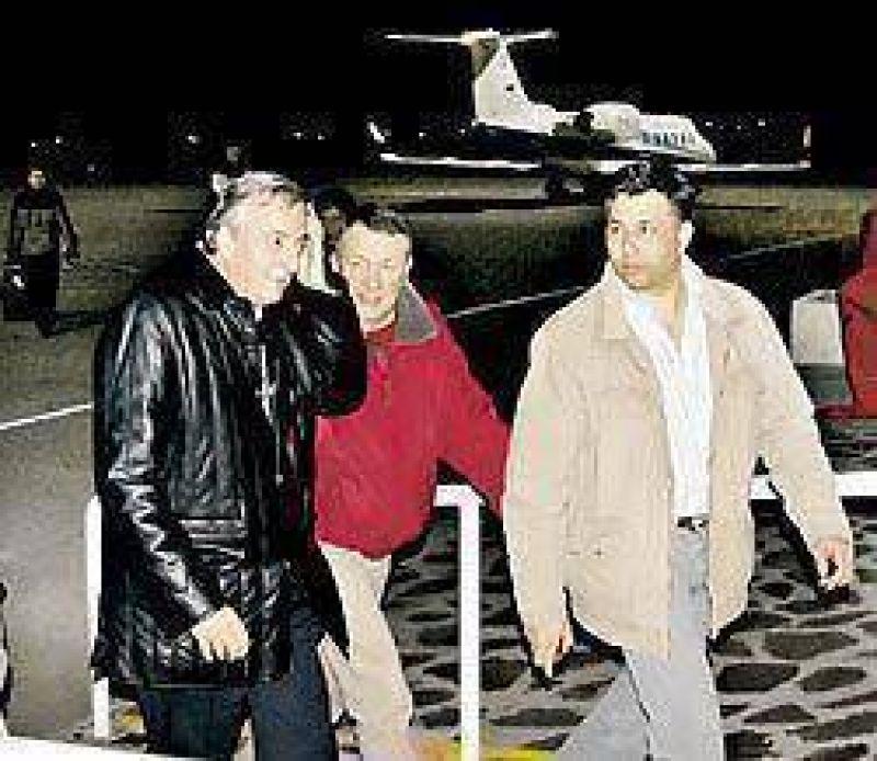 Investigan a Kirchner por usar aviones oficiales en la campaña