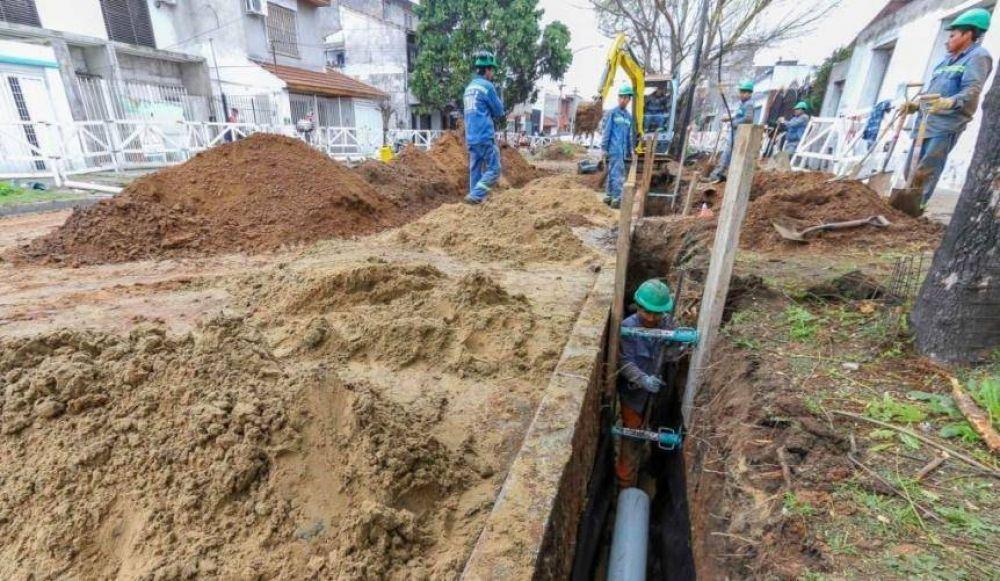 Comienza una obra cloacal en Lanús que beneficiará a 3 mil vecinos